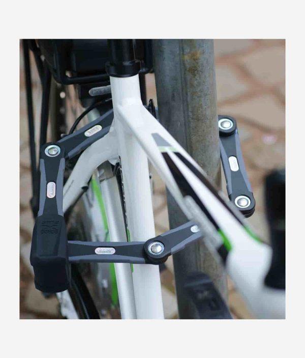 Cykel låst med Abus Bordo Granit X-Plus